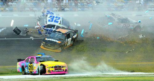 Daytona Crash 5