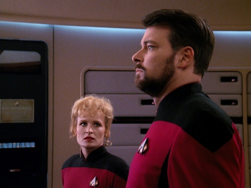 TNG Best of Both Worlds 15