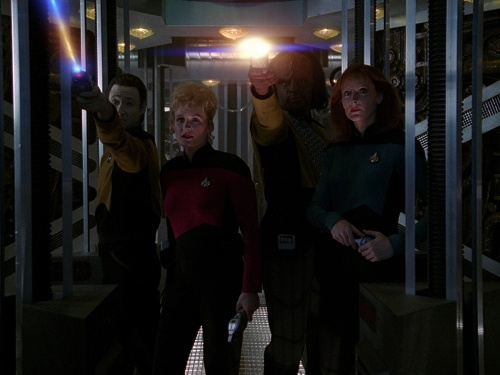 TNG Best of Both Worlds 16