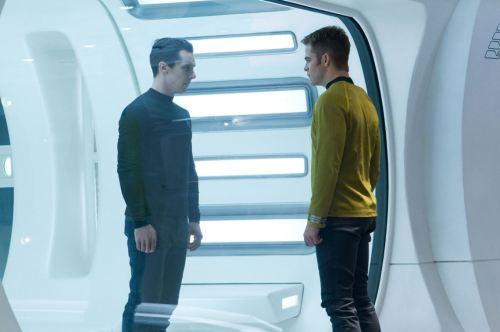 Star Trek Into Darkness h