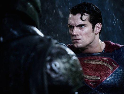 Batman v Superman Image H
