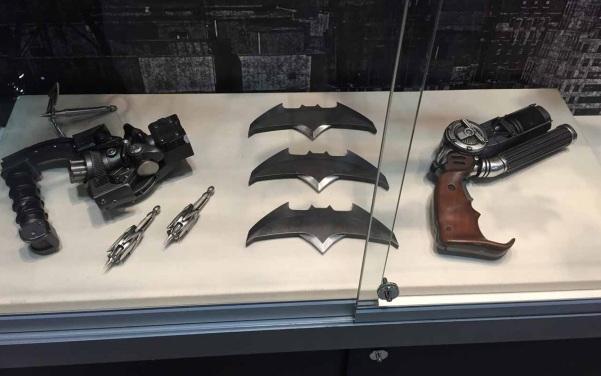 Batman v Superman Dawn of Justice Gadgets 02